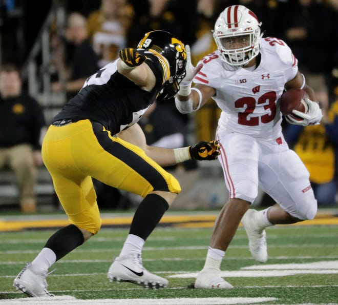 Jonathan Taylor has averaged 5.0 yards per carry and 135.0 rushing yards in two games against Iowa.