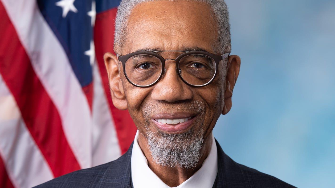 Illinois congressman Bobby Rush considering federal legislation to address ambulance diversion by hospitals