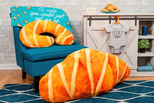 Cheddar's Scratch Kitchen is offering a croissant-themed baby bundle featuring their popular baked goods.