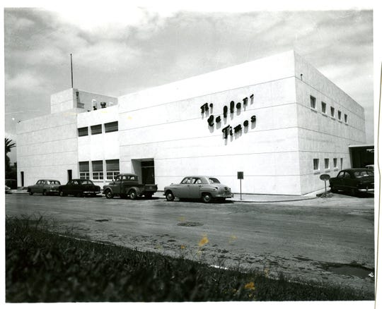 The Caller-Times building on North Lower Broadway in 1957.