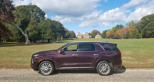 The 2020 Hyundai Palisade cuts a noble figure at Stratford Hall in Virginia.