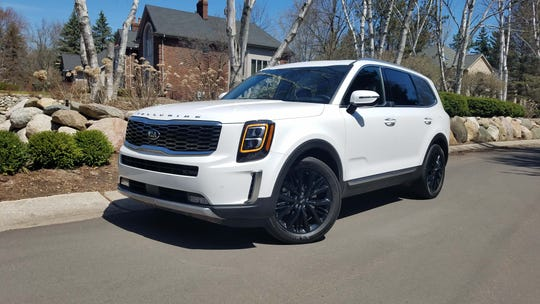 The 2020 Kia Telluride may come from a Korean brand, but its character is all-American. Designed in Los Angeles and manufactured in Georgia, it carries Cadillac styling cues and plenty of room for a big Yankee family.