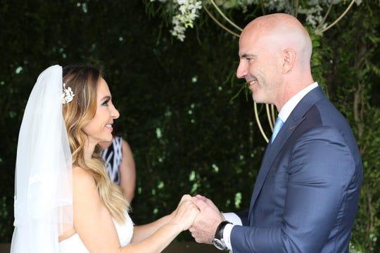 Érika Zaba y su esposo Francisco Oliveros, en su boda (2017), hoy celebran la llegada de Emiliano.