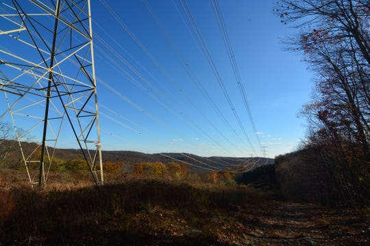 Nice view along the power lines, but the wrong direction.