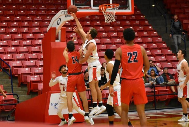 The Dixie State men's and women's basketball teams held scrimmaged, a combined 3-point contest and a dunk contest to kick off the basketball season.