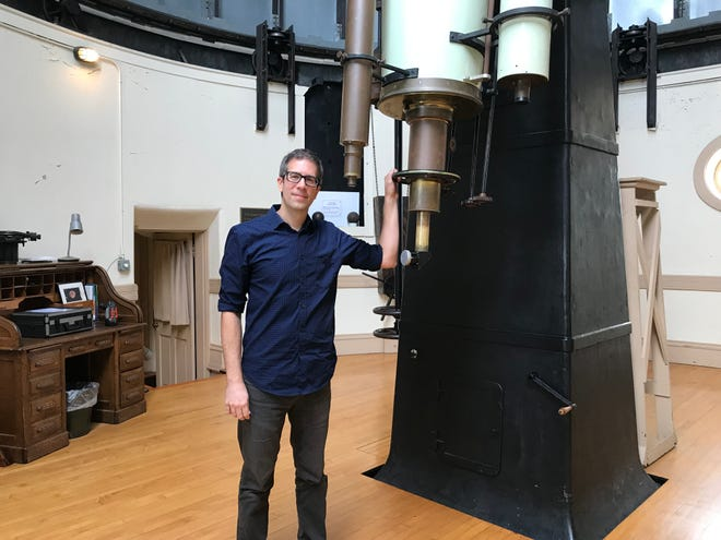 "Dean Regas of the Cincinnati Observatory has been a writer and host of PBS's ""Star Gazers"" for 9 years."