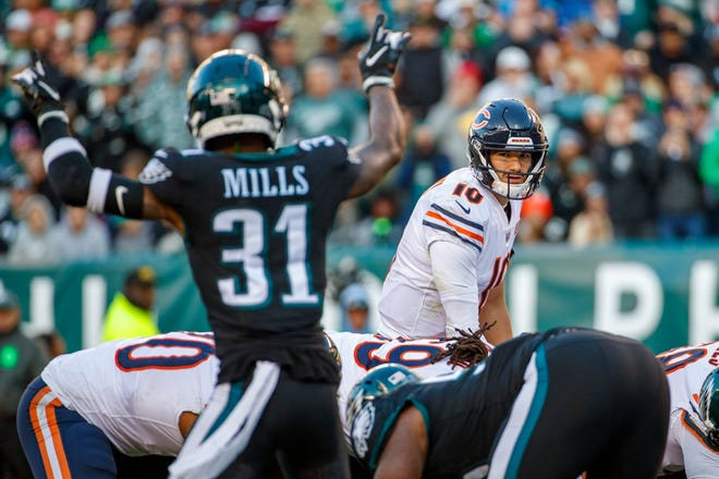 Bears quarterback Mitchell Trubisky looks on from under center during the the game against the Eagles.