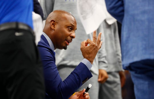 Memphis Tigers Head Coach Penny Hardaway talks to his team during a timeout in their game against the South Carolina State Bulldogs at the FedExForum on Tuesday, Nov. 5, 2019.