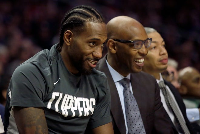 Forward Kawhi Leonard, who is managing a knee injury, isn't playing in both games when the Clippers are on the court on back-to-back nights.
