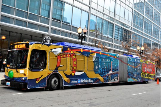 In 2014, the Chicago Transit Authority added a holiday bus to its seasonal transportation options.