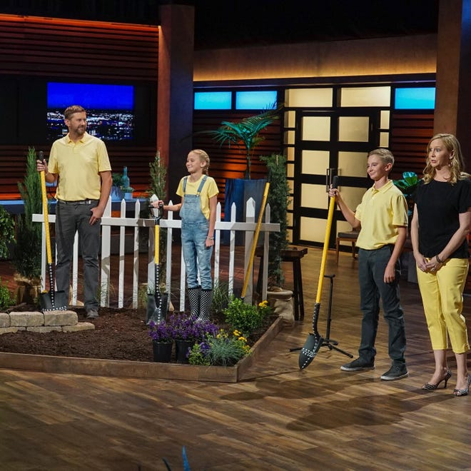 """Station Camp Middle School student Maddox Prichard pitched his invention, the Measuring Shovel, to the Sharks on ABC's """"Shark Tank."""""""
