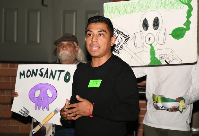 Tulare County parents and residents urge the Lindsay Unified School District to use non-toxic weedkillers at the Nov. 4 board of trustees meeting.