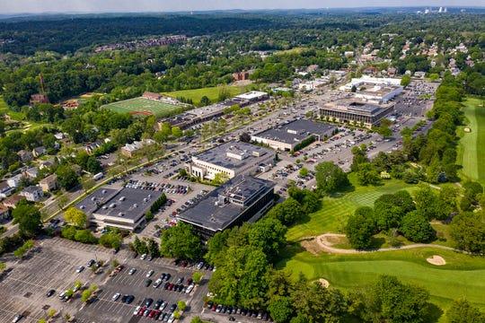 Vernon Hills Shopping Center in Eastchester