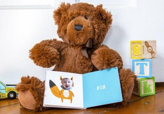 The Itty Bitty Photo Books help pre-school age children learn shapes, colors and animals.