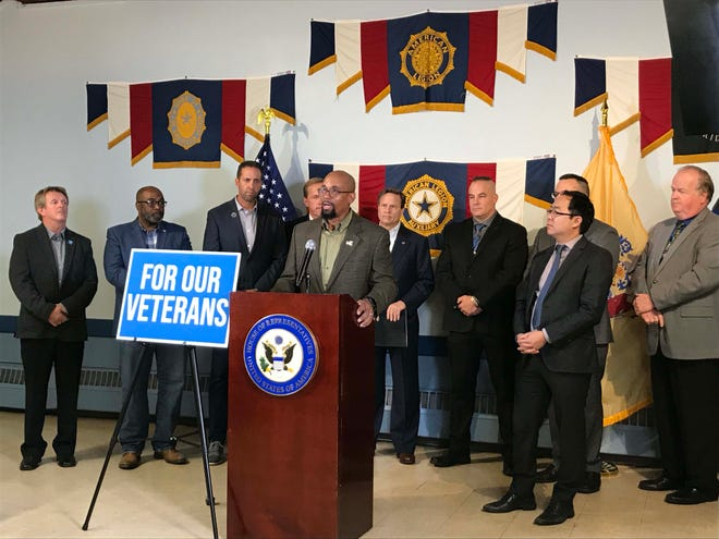 Stephan Jackson, a Marine Corps veteran and apprentice electrician, talks about the value of training for veterans in Cherry Hill Thursday.