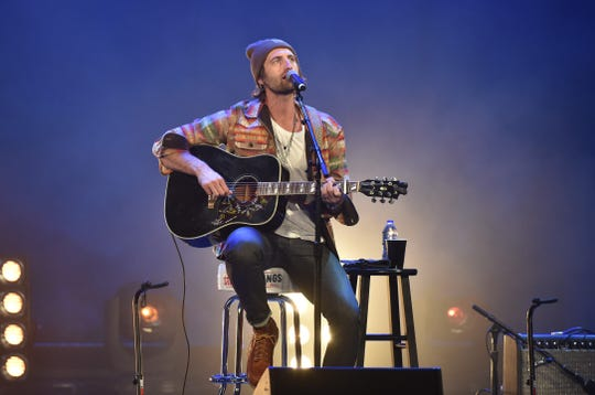 Ryan Hurd plays Minglewood Hall on Friday night.