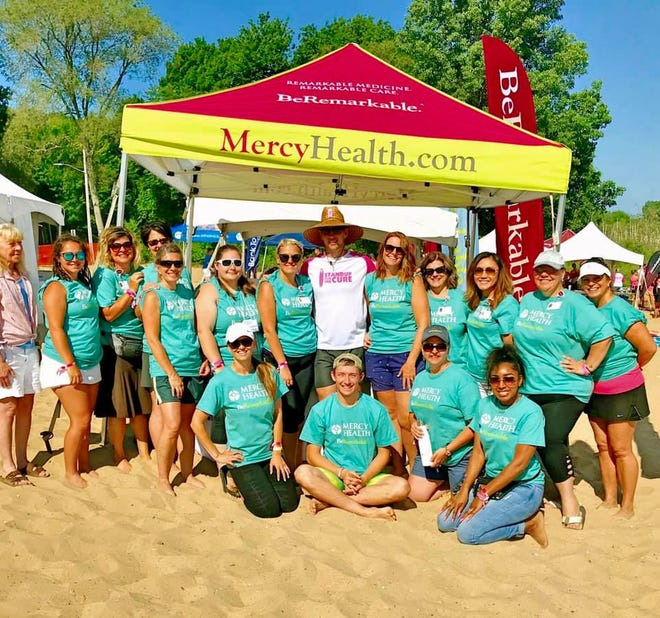 Mercy Health colleagues love to be out in the community, supporting causes such as Stand Up for the Cure Paddle board event, which raises funds for early breast cancer detection, treatment, and education