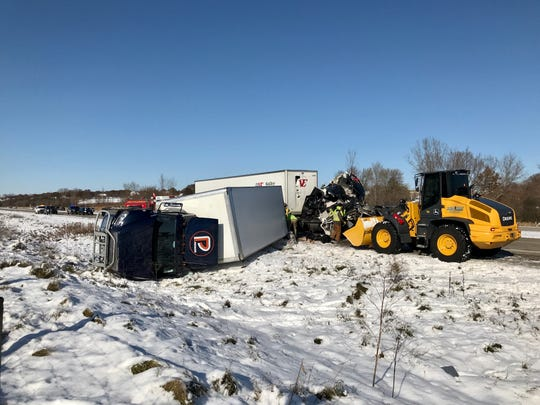 Southbound I-41 is closed at Highway 33 in northern Washington County because of a crash involving three tractor-trailers and several other vehicles.