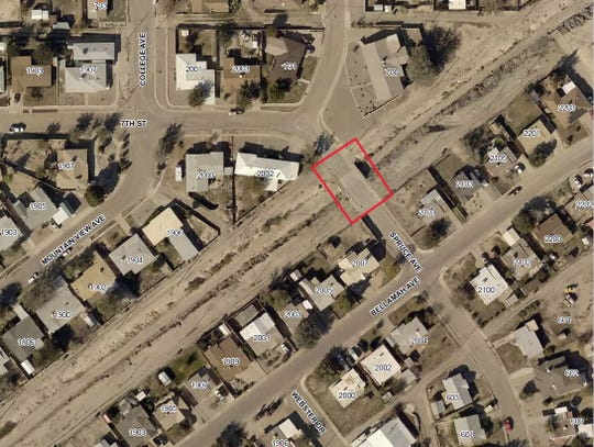 Starting Wednesday, Nov. 13, the contractor for the US Army Corps of Engineers will be working on Spruce Avenue between Mountain View Avenue and Bellamah Avenue for utility construction.