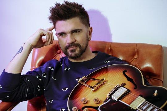 """Fotografía cedida por la Academia Latina de Grabación, que muestra al cantante colombiano Juanes mientras posa para una foto. """"Imagínate, hermano. No sé ni cómo expresarlo...""""."""
