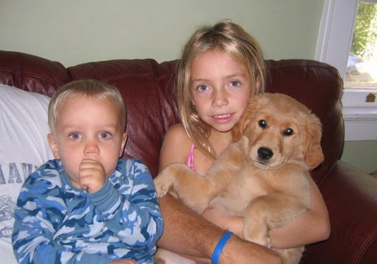 A young Morgan Hentz with her brother Louie.