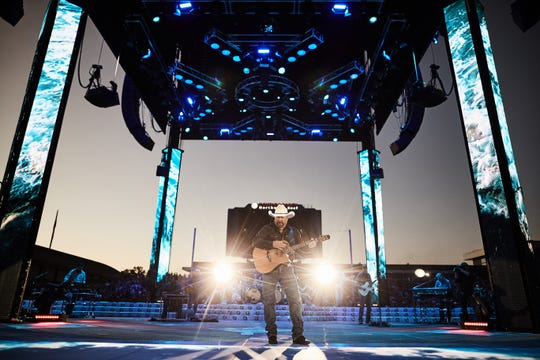Knoxville's Bandit Lites supplied lighting to Garth Brooks' stadium tour and will provide it at his Neyland Stadium show Saturday.