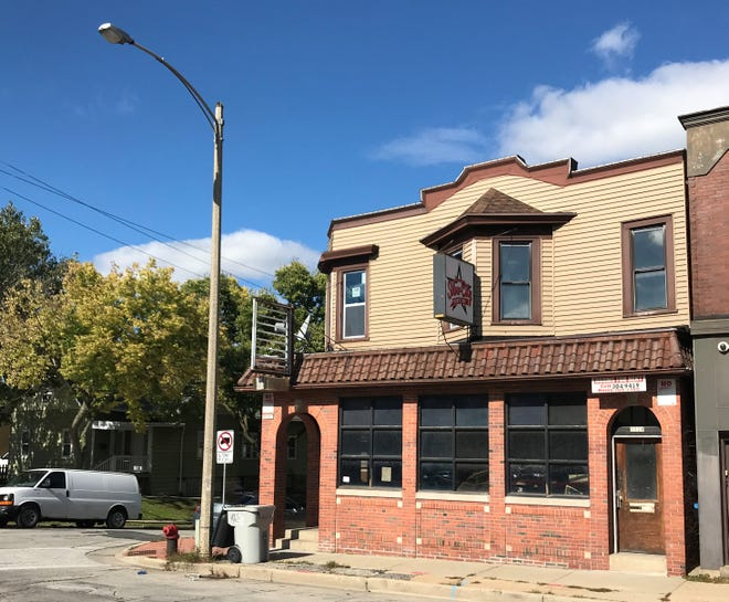 Pupuseria Los Angeles is in the works for 3530 W. National Ave., the former site of Silver City Sports Bar. The Salvadoran restaurant could open as soon as January.