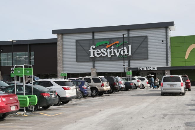 Festival Foods has bought another Milwaukee-area building for an eventual expansion. It opened its first area store last year in Hales Corners.