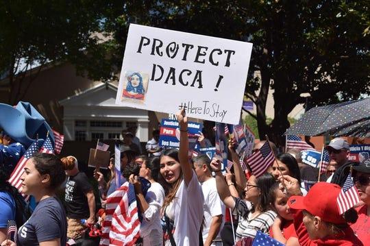Según un reciente análisis de Center for American Progress (CAP), en la actualidad unos 661.000 jóvenes están amparados por DACA, lo que les otorga un permiso de residencia y de trabajo hasta por dos años.