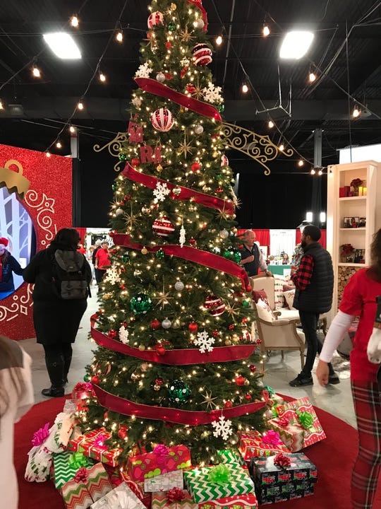 Another tree decorated at Christmas Con in Edison
