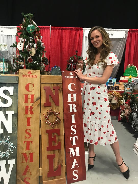 The first-ever Hallmark Christmas Con jingled its way to the New Jersey Convention and Expo Center in Edison Nov. 8 to 10. Eighteen stars, including actress Rachel Boston, from the beloved Hallmark Christmas movies made appearances while thousands of attendees hailed from all over the country.