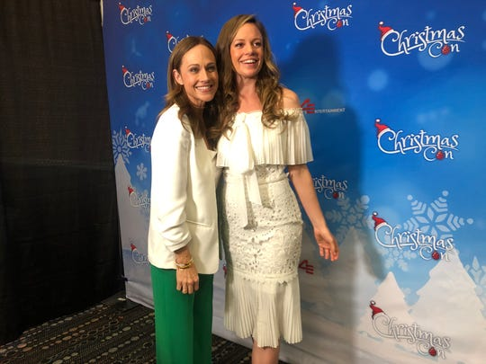 Day 2 continued with more festive fun at the first Hallmark Christmas Con at the New Jersey Convention andExpoCenter in Edison Nov. 8 to 10. Eighteen Hallmark stars, including, Nikki DeLoach andd Rachel Boston, entertained the thousands of fans who attended.