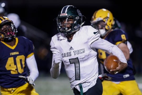 Detroit Cass Tech quarterback Sebastian Brown (7) runs against Dearborn Fordson during the first half at Fordson High School in Dearborn, Friday, Nov. 8, 2019.