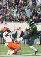 Michigan State freshman receiver Tre Mosley caught eight passes in MSU's regular-season finale against Maryland. He's one player to watch in the Pinstripe Bowl.