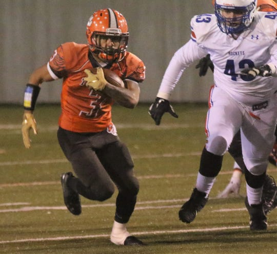 Mansfield Senior's Terrance Flickinger put up three touchdowns with 149 yards on the ground a year after tearing his ACL and not knowing if he had a future in football.