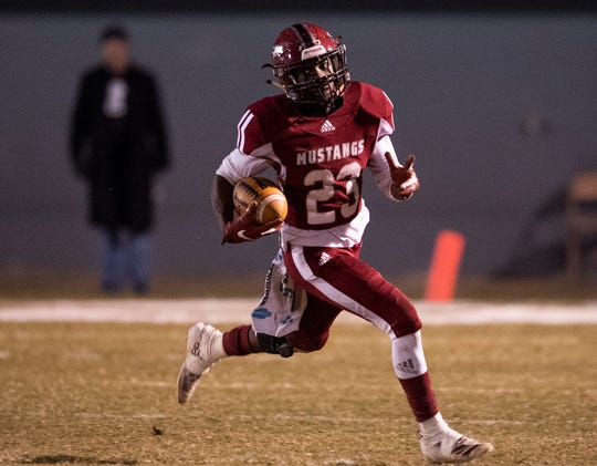 Stanhope Elmore's Jeremy Thompson (23) against Paul Bryant at Foshee-Henderson Stadium in Millbrook, Ala., on Friday November 8, 2019.