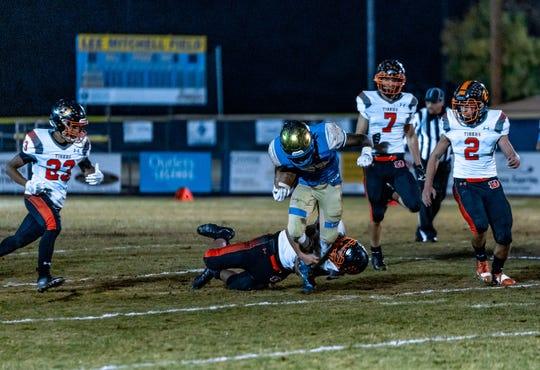 All the top seeds, who all had home games,won in the Northern 4A Regional football playoffs Friday night.