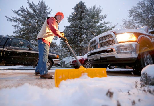 3 to 6 inches of snow forecast for southern Wisconsin. Winter weather advisory issued until 3 p.m. Monday