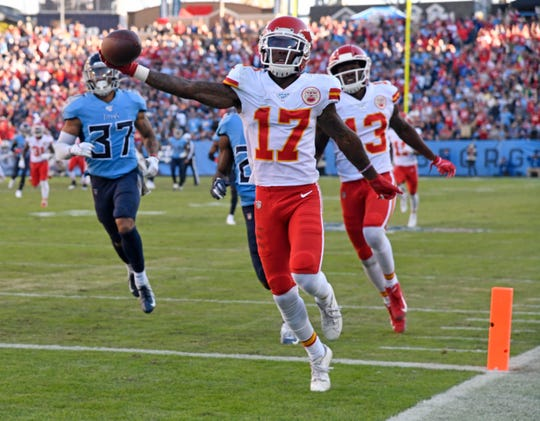 Kansas City Chiefs wide receiver Mecole Hardman (17) heads to a touchdown against the Tennessee Titans during the fourth quarter at Nissan Stadium Sunday, Nov. 10, 2019 in Nashville, Tenn.