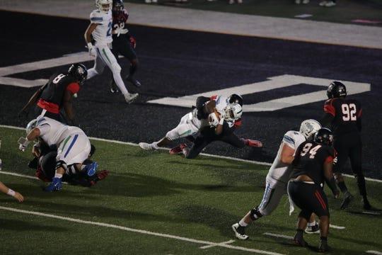 UWF running back Shomari Mason scores a touchdown in the third quarter against Valdosta State.