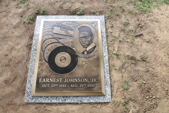 "A headstone honoring Earnest ""Ernie"" Johnson, of the singer-songwriter soul duo Eddie & Ernie, was unveiled at the Resthaven/Carr-Tenney Memorial Gardens in Phoenix on Nov. 9, 2019."