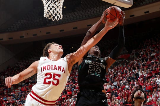 Indiana forward Race Thompson battles for a rebound against Portland State forward Alonzo Walker during the first half at Simon Skjodt Assembly Hall.