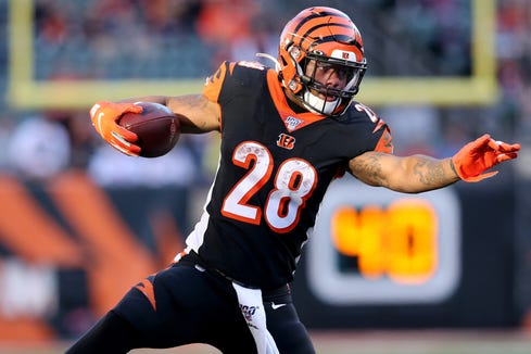 Cincinnati Bengals running back Joe Mixon (28) carries the ball in the fourth quarter of a Week 10 NFL game against the Baltimore Raves Sunday, Nov. 10, 2019.