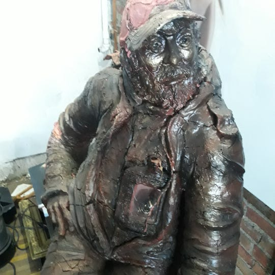 A sculpture of TooTall Stross created.