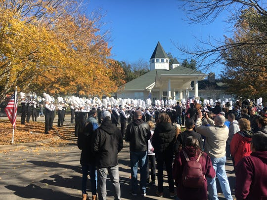 The Franklin Band performs at the Fieldstone Farms Clubhouse