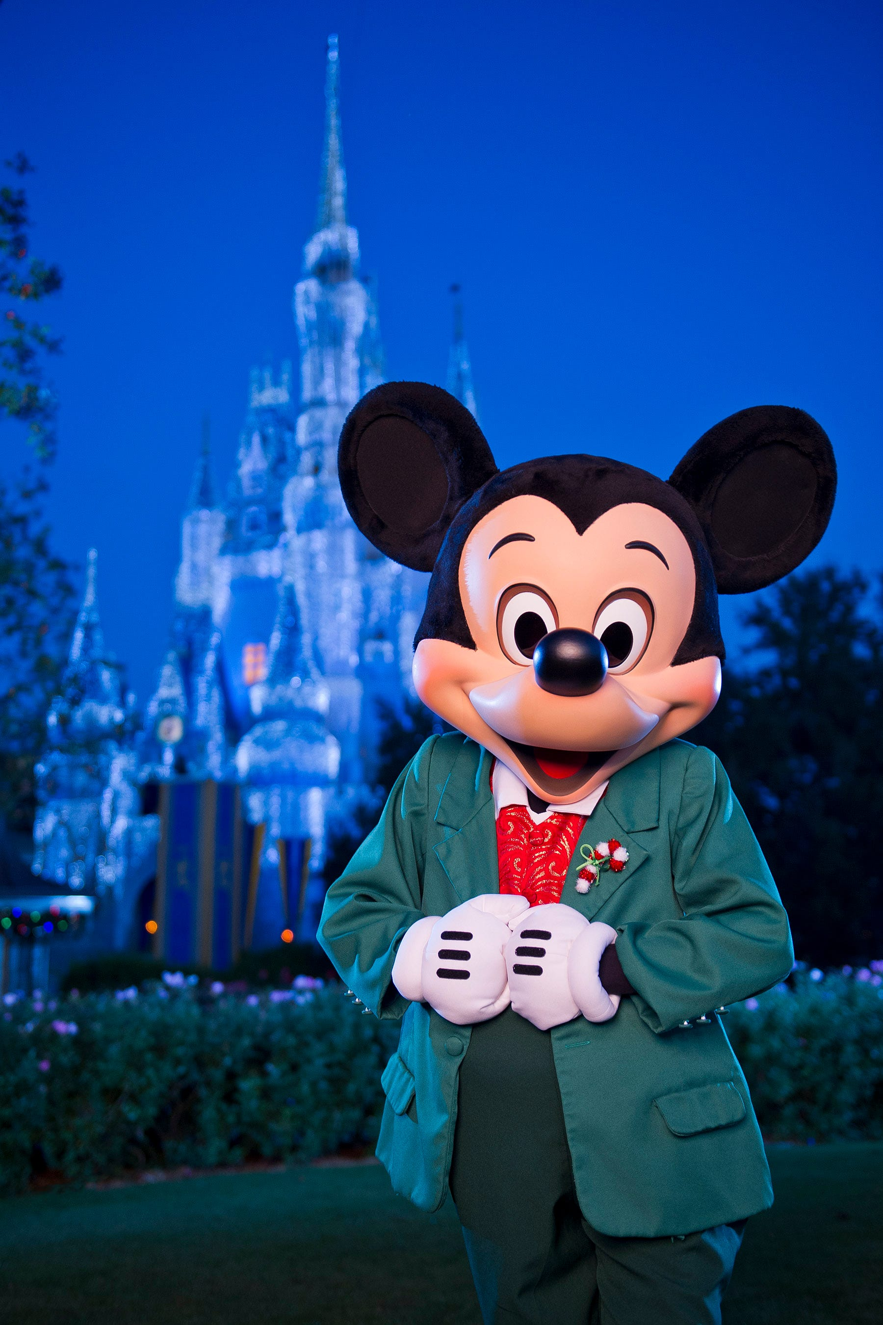 Visiting Disneyland or Disney World for the holidays? Don't make these common mistakes