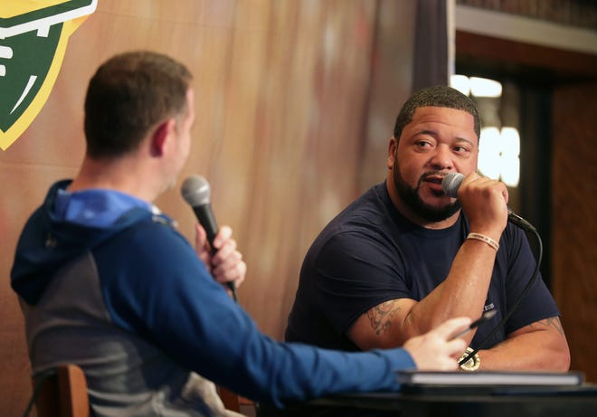 Packers Hall of Famer Gilbert Brown (right) was the guest on Monday's Clubhouse Live. The show was held at The Clubhouse Sports Pub & Grill in downtown Appleton.