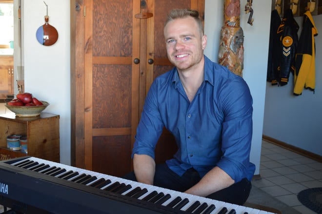 Brown Deer native Zach Evans has a YouTube channel with more than 100,000 subscribers, and developed a website with online piano courses called Piano University.