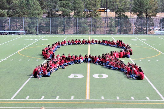 Ruidoso Middle School students show their commitment to a drug-free life.