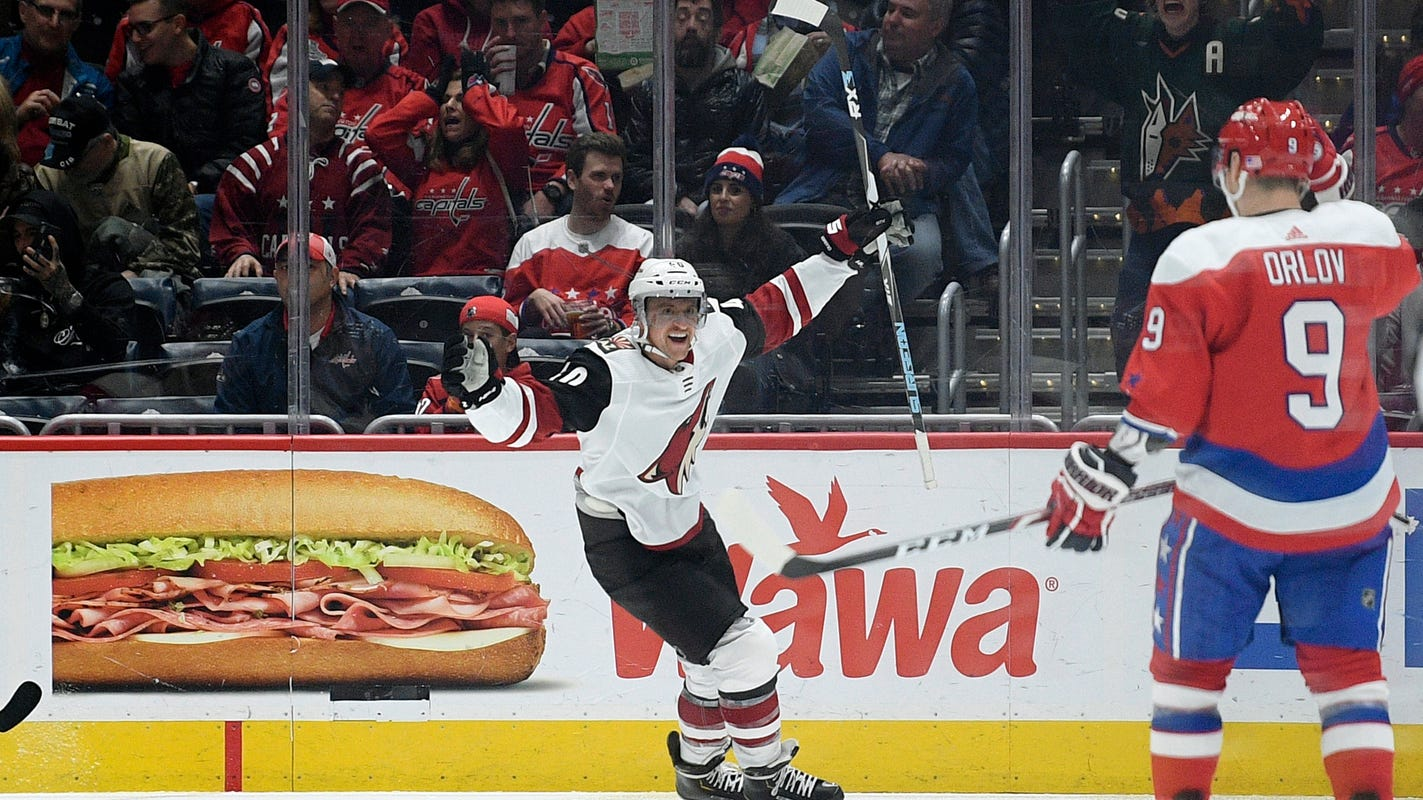 Coyotes lose another late lead, but top Capitals in shootout